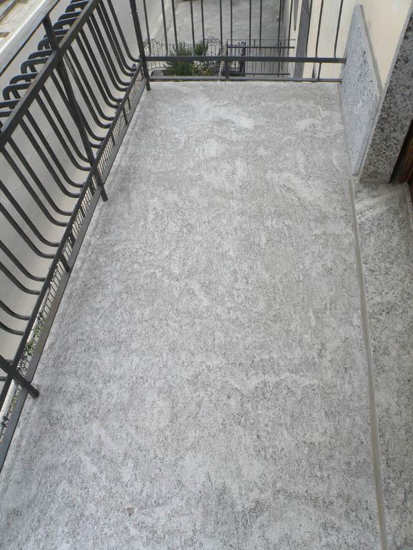 Vendita balconi e mensole per terrazzi in pietra resistente su misura - Piastrelle per balconi ...