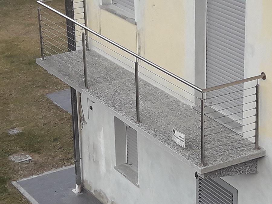Rivestimenti Balconi Esterni : Vendita balconi e mensole per terrazzi in pietra resistente su misura
