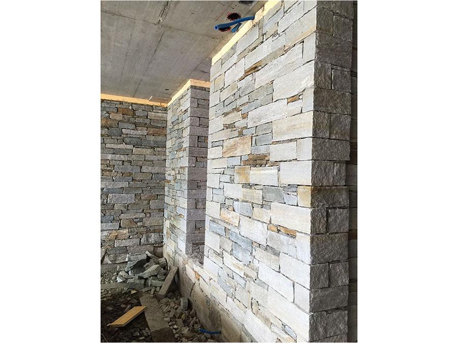 Vendita diretta di pietre per muri e copertine di vari for Muri con pietre a vista